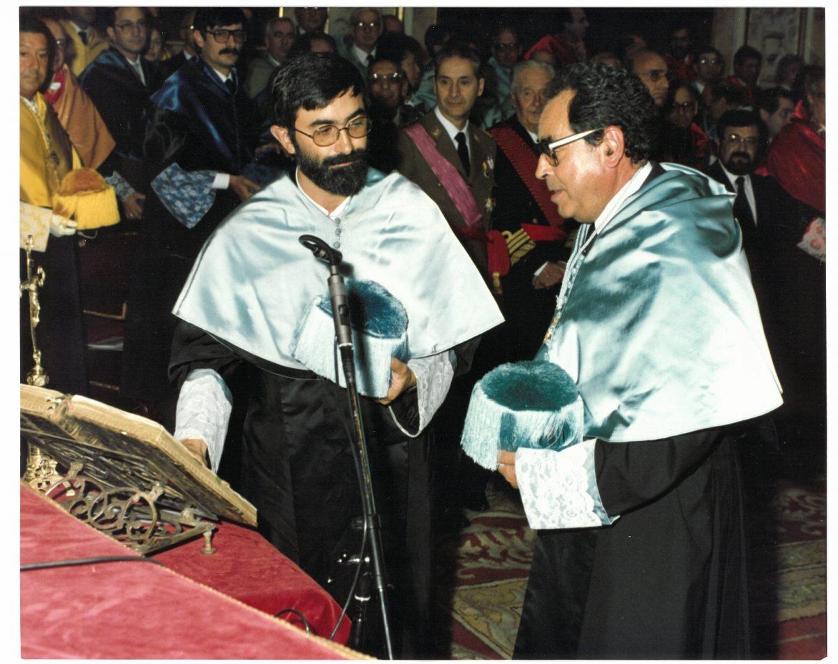 toma de posesión profesor titular 1986
